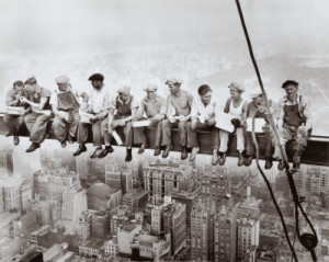 Lunch-atop-a-skyscraper-c1932